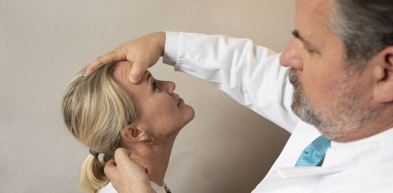 Neurochirurg Dr.Krishnan, Behandlung aller schmerzhaften Erkrankungen der gesamten Wirbelsäule sowie auf die Behandlung von Wirbelsäulenverletzungen